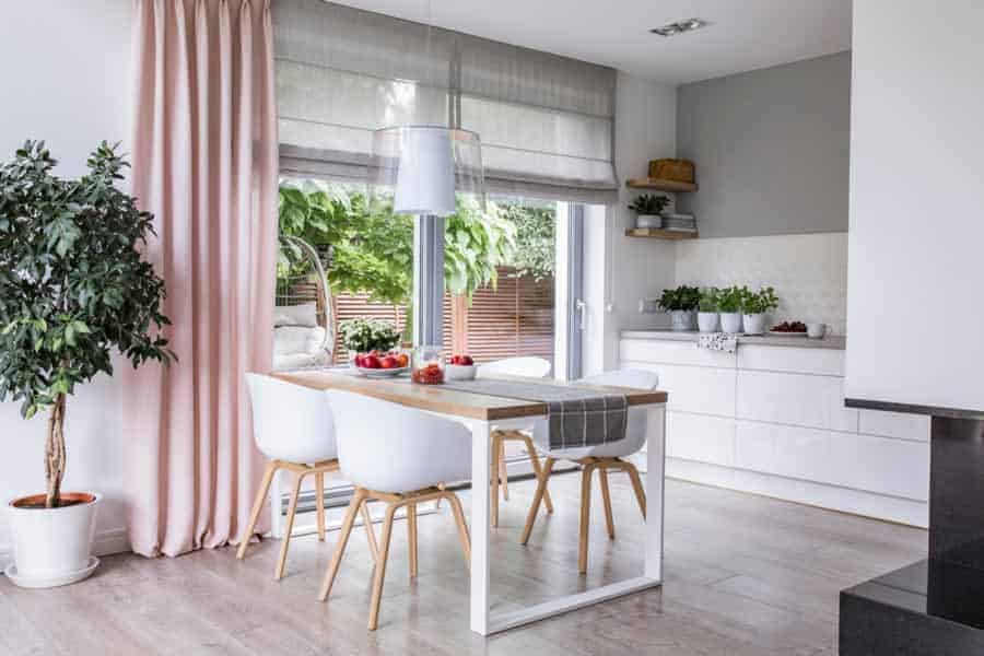 how-to-clean-fabric-blinds